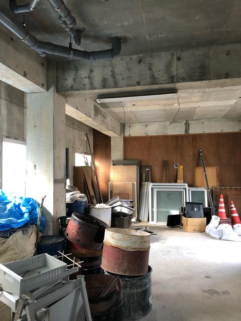 廃材撤去前倉庫内写真4