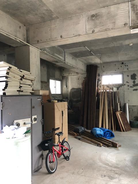 廃材撤去前倉庫内写真3