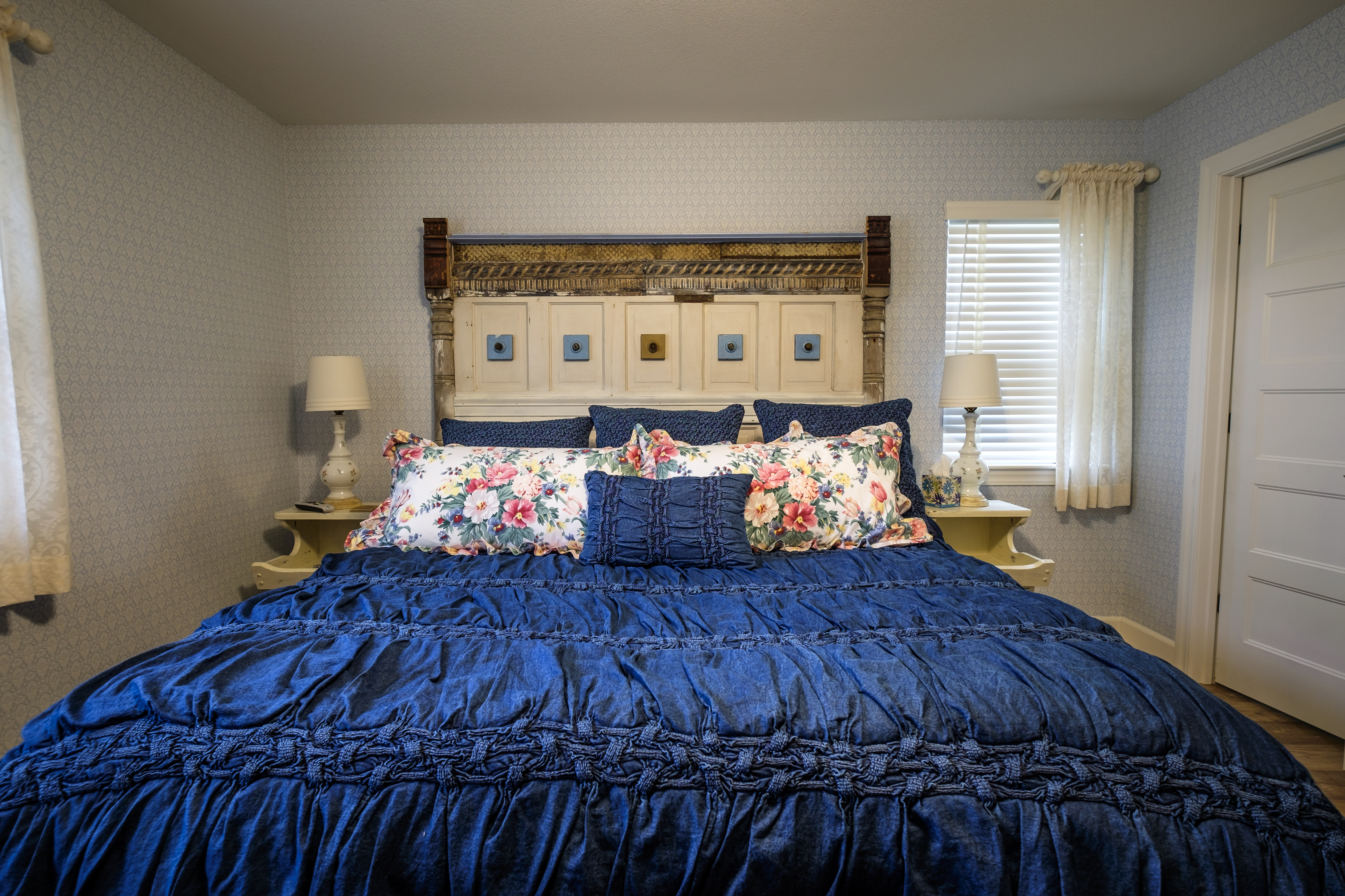 King-Size Duxiana Bed