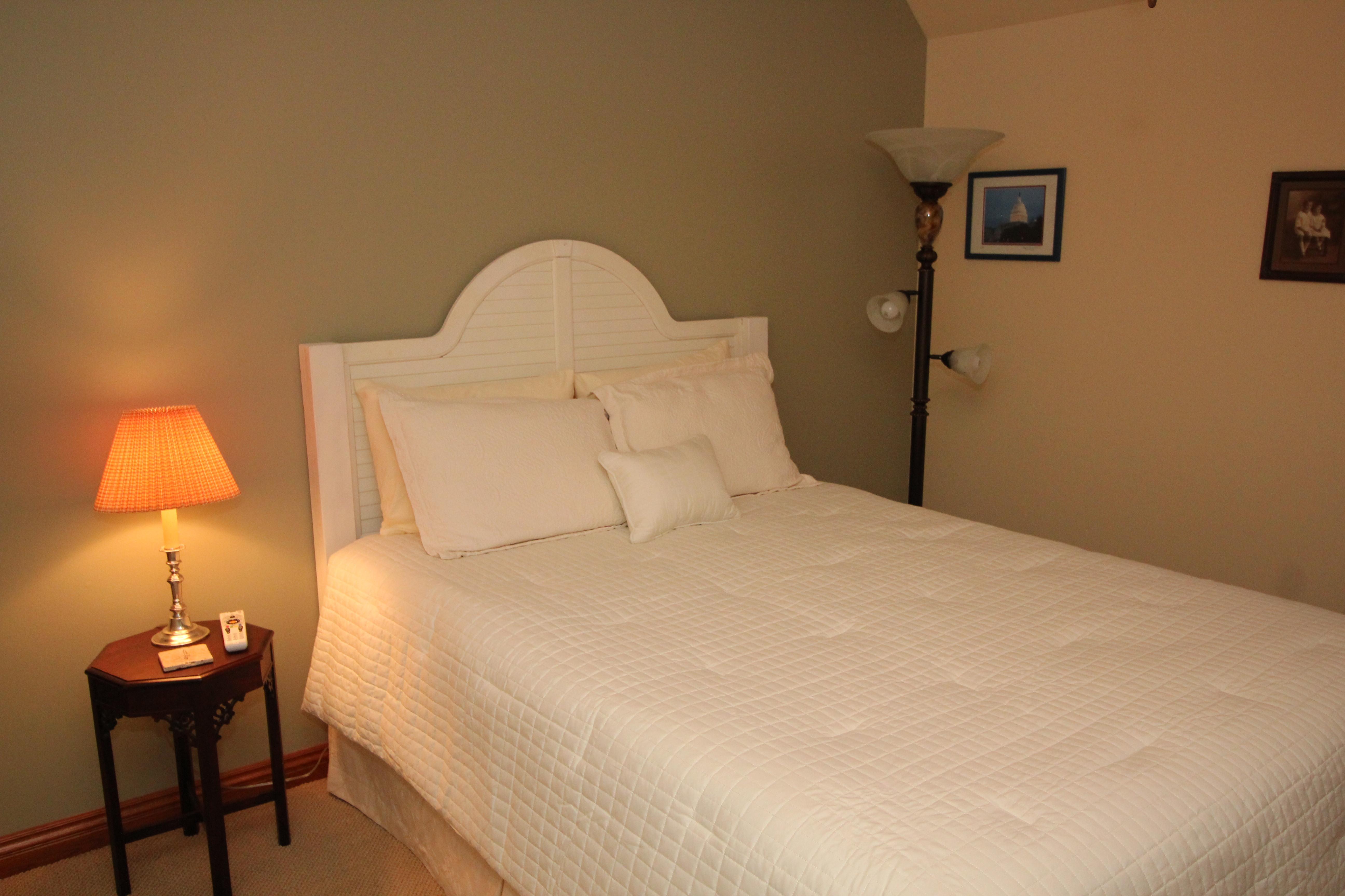 Queen Size Tempur-Pedic Bed
