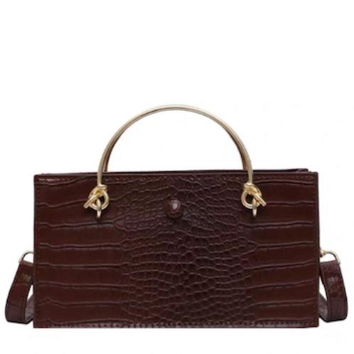 Kellie Hermes reinterpreted tie knot hand carry bag