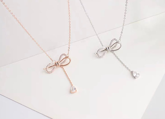 Ribbon style necklace