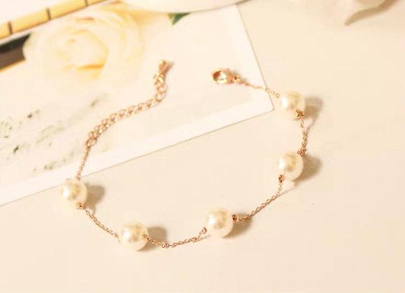 Cute 5 Pearl bracelet