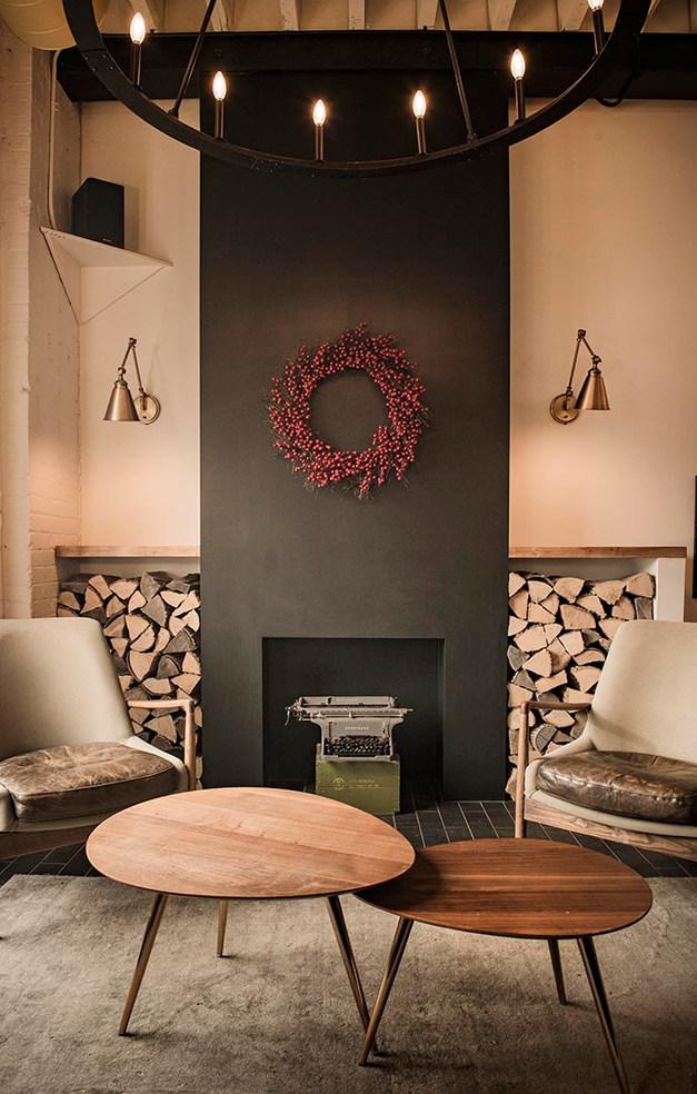 Black Wing Lounge