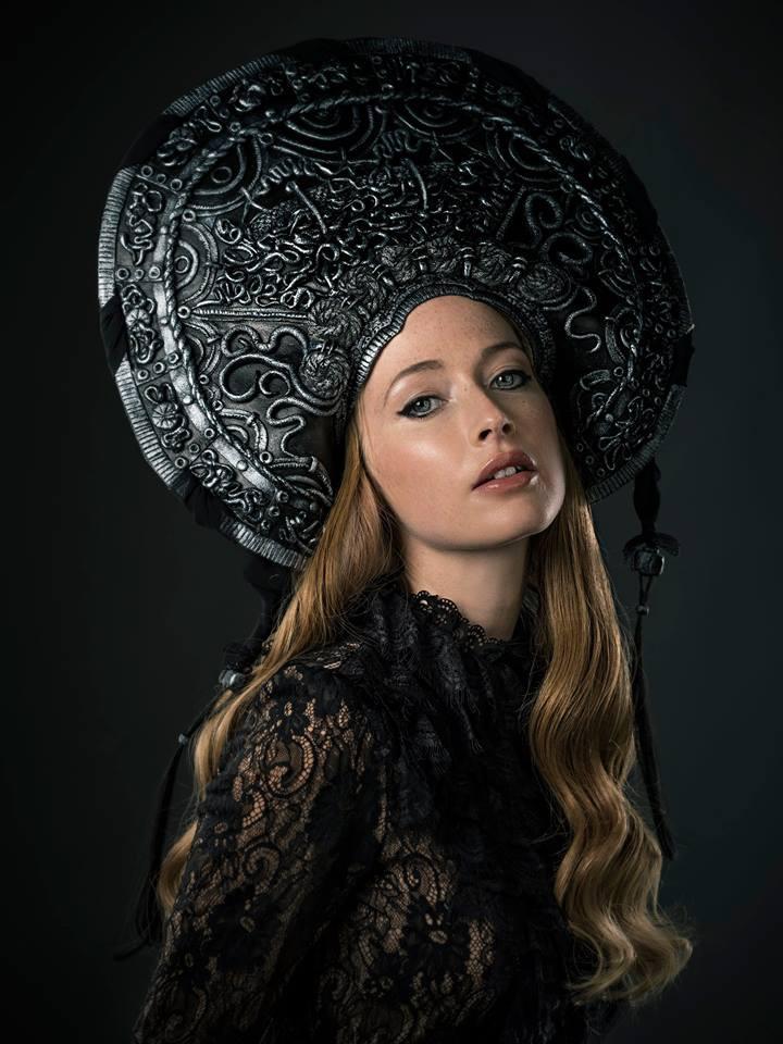 Headdress by Marine Arnoul for Martian Agency