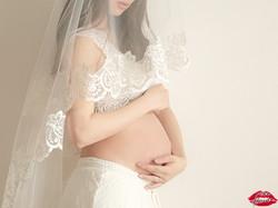 aki Maternity Photo