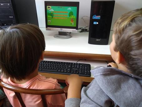 Aulas de informática ensinam qualidade no uso da tecnologia