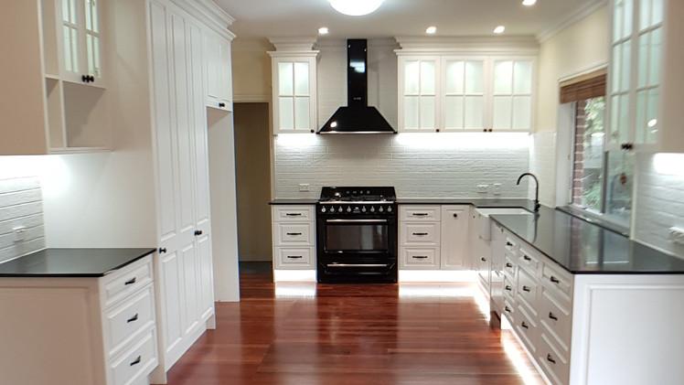 BRIDGEMAN DOWNS: Classic Kitchen