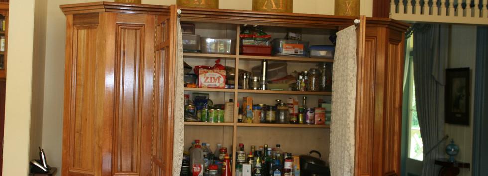 TASMANIAN BLACKWOOD: Classical Kitchen Cabinetry
