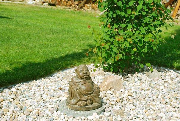 lawn buddha.jpg