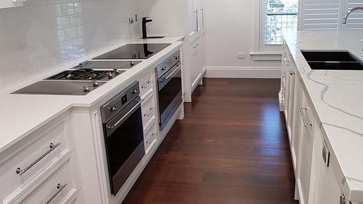 CASHMERE: Hampton's Kitchen