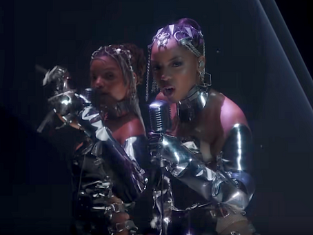 "Chloe x Halle - ""Ungodly Hour"" (VMA Performance)"