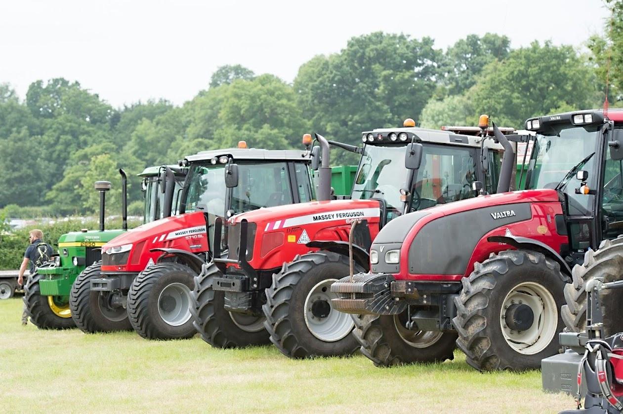 Kenilworth Show - Tractors.JPG