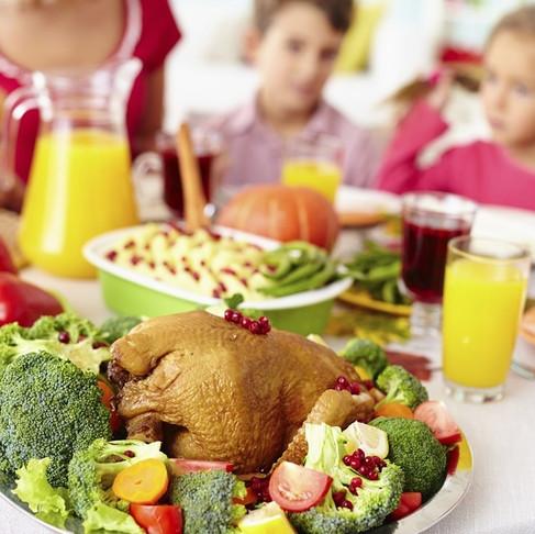 10 Dicas para uma alimentação infantil saudável   Nutricionista: Gabriela Kapim