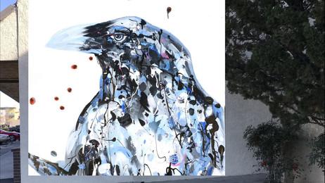 La artista local Tina Dille presentará un mural de Raven en Lancaster  POW! WOW! - En Español