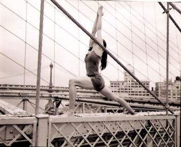 Lara Warren Virabhadrasana 1 Brooklyn Bridge