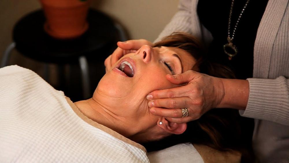 Jaw Pain Treatment Dr. Elaine Screaton NW Calgary Chiropractor