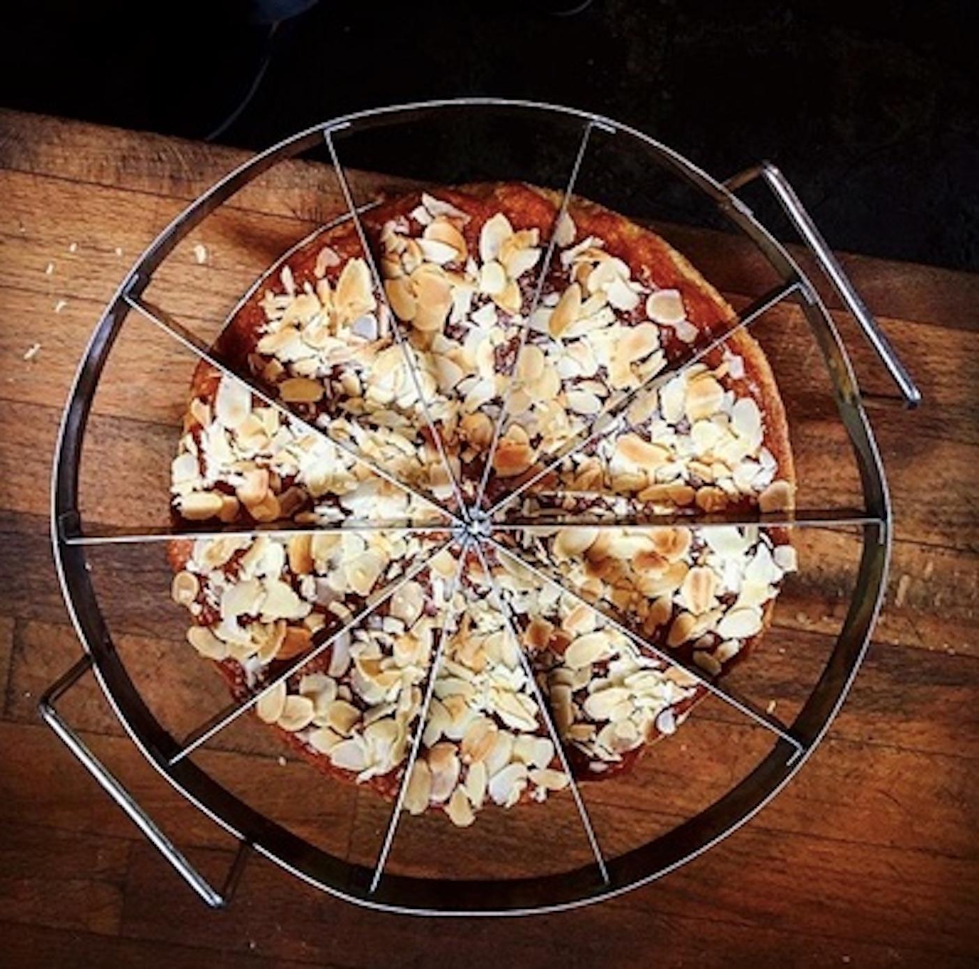 instagram w_free almond cake