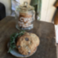 vegan rosemary & choco chip cookies