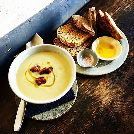 Today's handmade soup & artisan bread ¥8