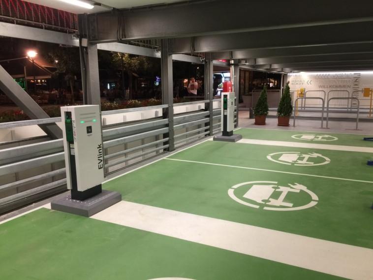 Schneider EVLink Parking