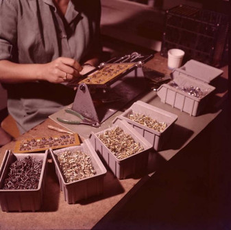 Assembly of components on printed circuit boards for the IME 86S electronic calculators 9/20/1967