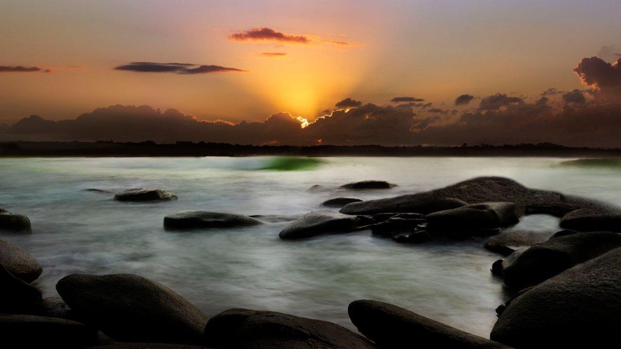 Green Point Sunrise.Jan