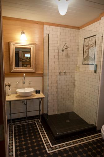 Grainery Bathroom 2.jpg