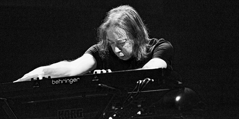 – Adam Holzman: Piano –