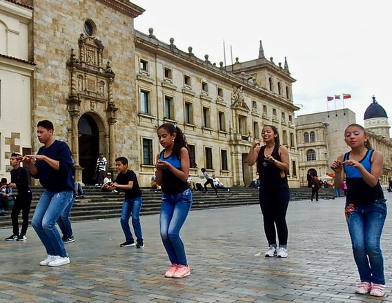 Danza y Movimiento Contra la Violencia de Género