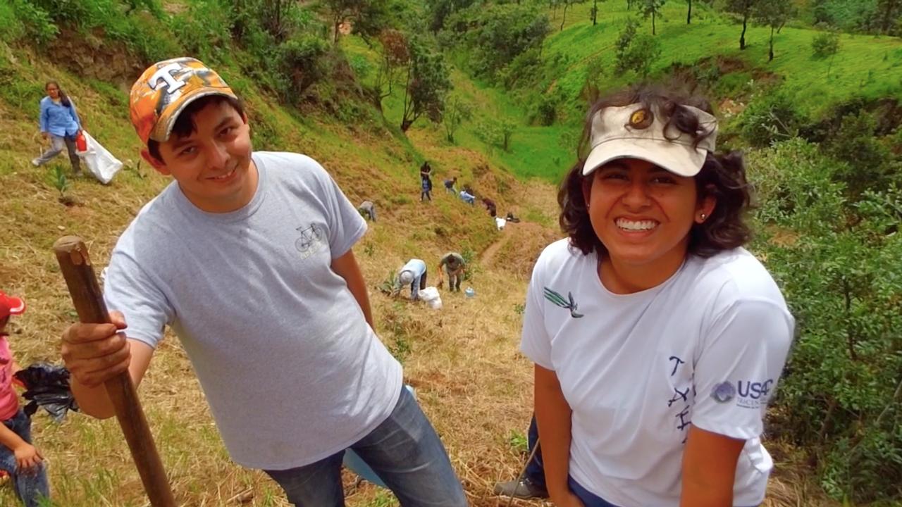 José Antonio y Andrea (Testimonios de Juventudes en Defensa de la Madre Tierra)
