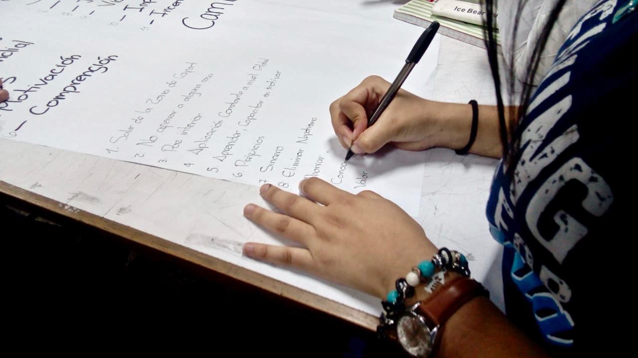 """Seminario Nacional """"Las Juventudes Luchamos"""" (Emprendimiento y Trabajo Juvenil)"""