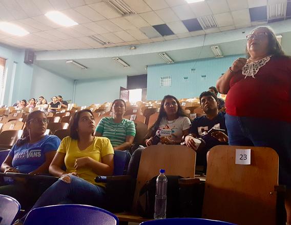"""Foro """"¿Qué significa ser mujer joven en El Salvador?"""""""