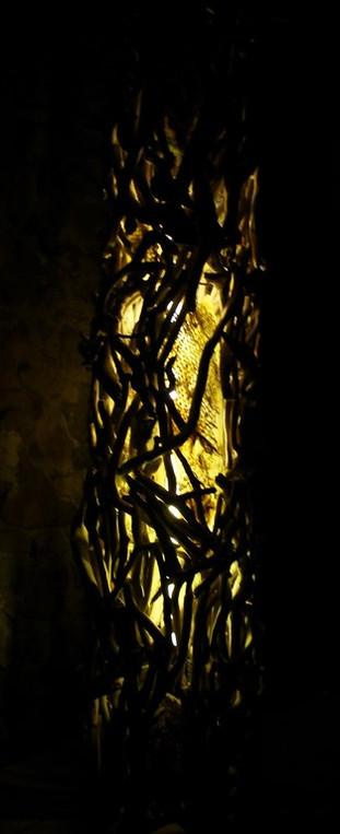 colonne-lumiere-jaune.jpg