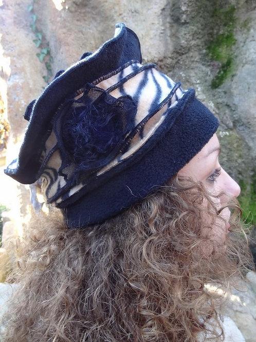chapeau polaire tigré et noir