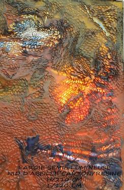 Paroie Semi Lumineuse Nid D'abeille Carton Et Résine
