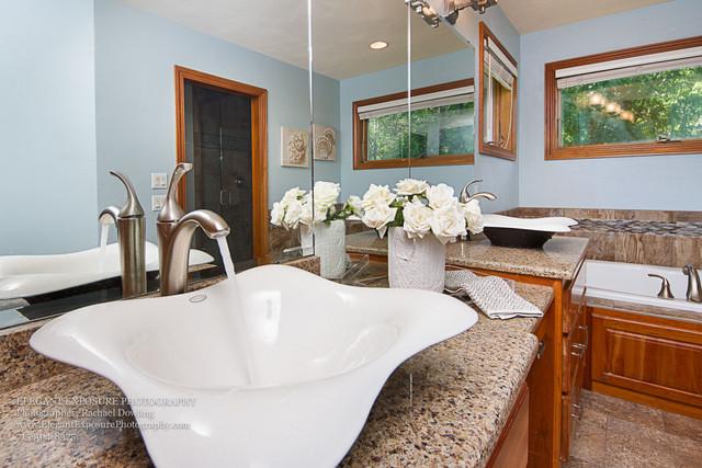 master bathroom, faucet, details real estate