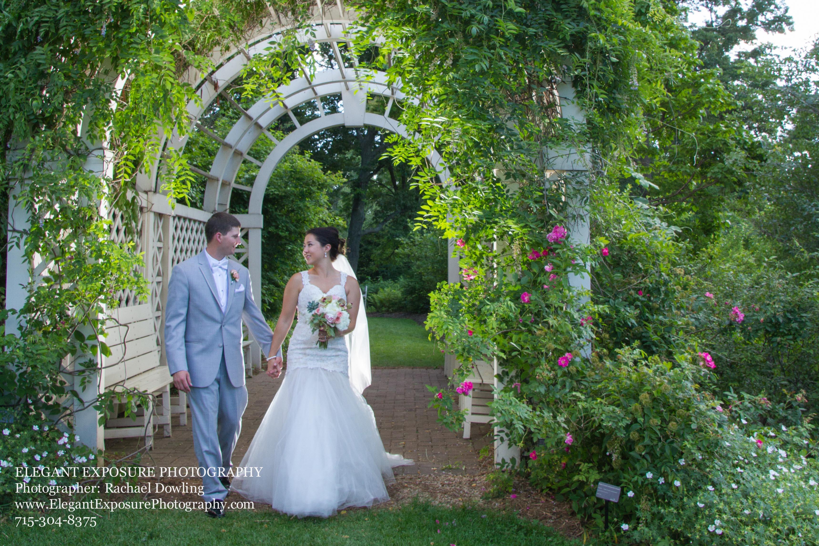 Wedding Pose, Green Bay Botanical
