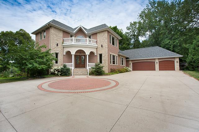 mansion, million dollar listing, grand entrance, real estate appleton menasha, neenah