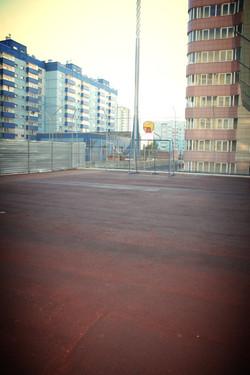 Футбольная и баскетбольная площадка