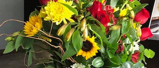 "Lux ""Kate"" Rose Garden Arrangement in a Clear Vase"