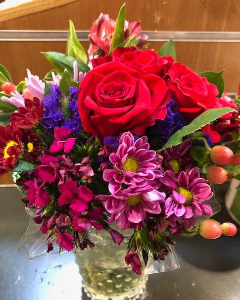 Bridal party bouquets by Joan Greene Studio