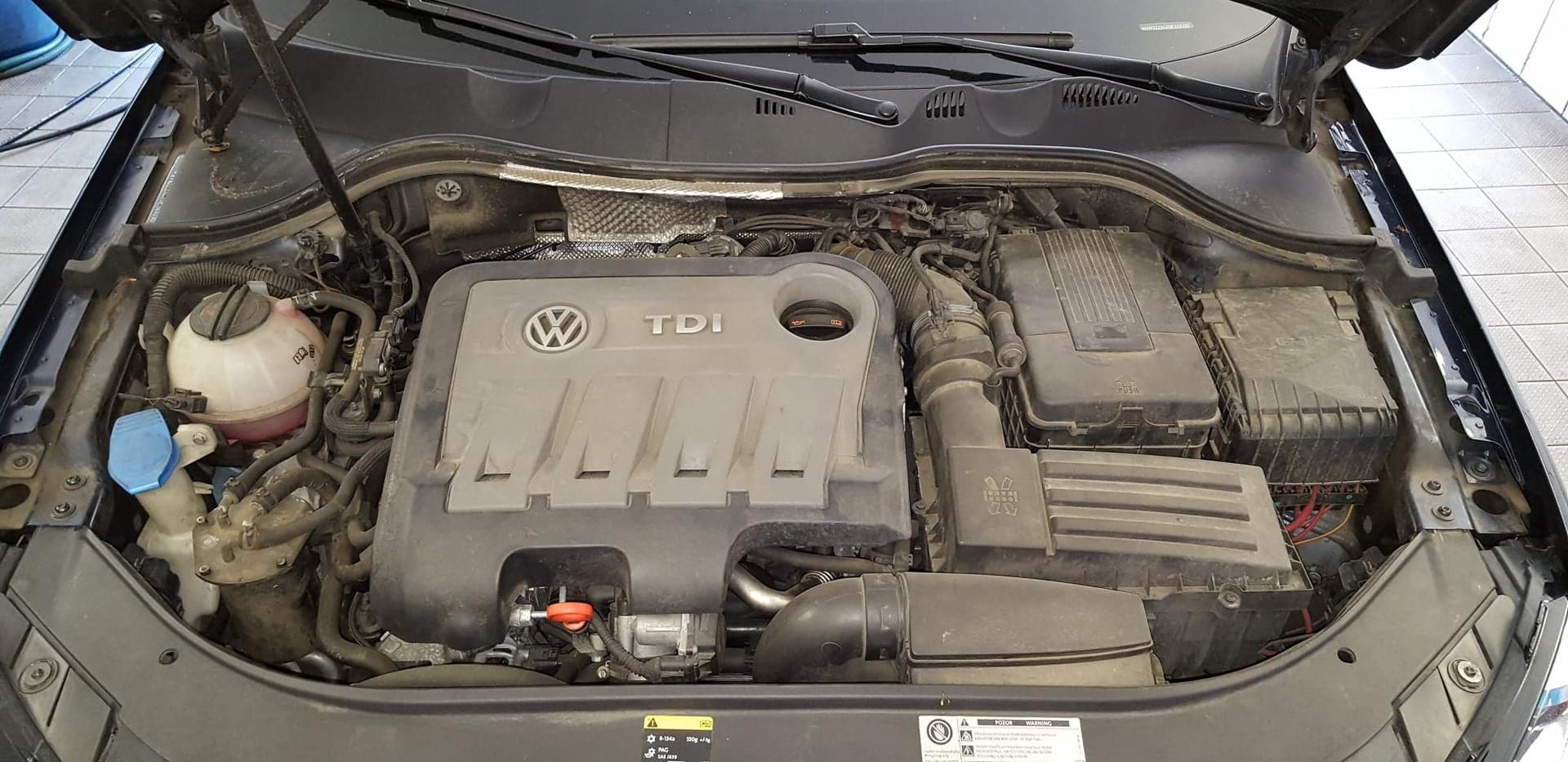 Car Wash - Cisteni motoru (14).jpg