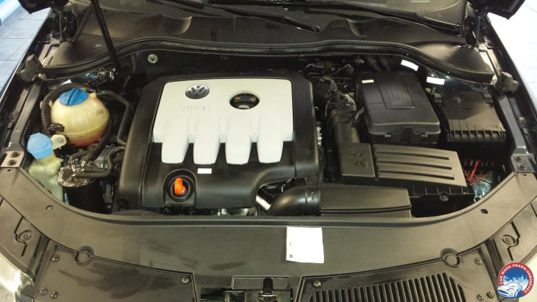 Car Wash - Cisteni motoru (2).jpg