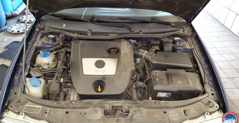 Car Wash - Cisteni motoru (16).jpg