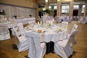 Nastretý stôl na svadbu