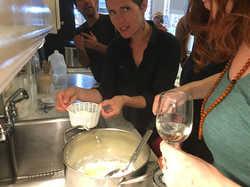 making ricottoa