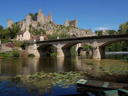 Angles-sur-Anglin (35 mins)