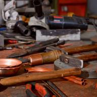 atelier de fabrication avec outils