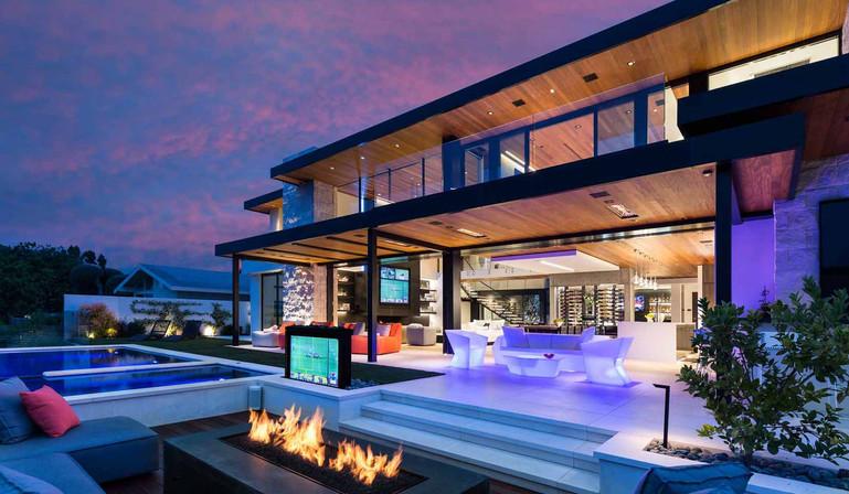 luxury-backyard.jpg